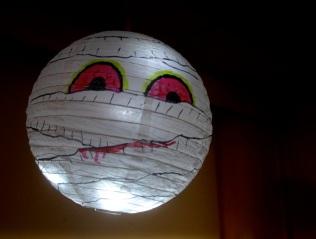 halloween-mummy-lantern-